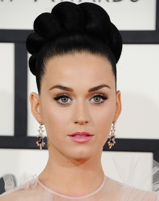 2b493_katy-perry-makeup-2014-grammy-awards