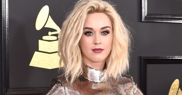 social-still-katy-perry-grammys-2017-beauty-look